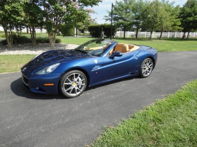 sold 2010 ferrari california f1 4025 miles selling assistant consignment vehicles for sale. Black Bedroom Furniture Sets. Home Design Ideas